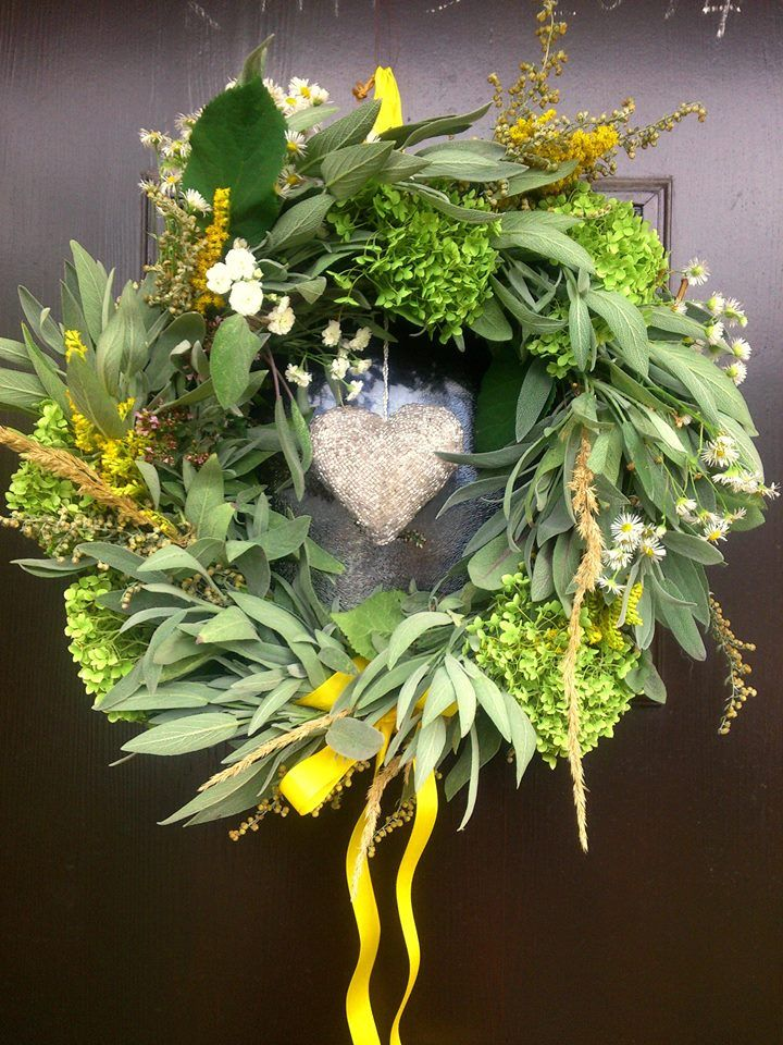 Spring Sage and Hydrangea wreath. All I collected in my mum's garden! sometimes you dont have to look far for beautiful things. Added a little bit of Sllidago from the field and yellow ribbon for a spring touch.