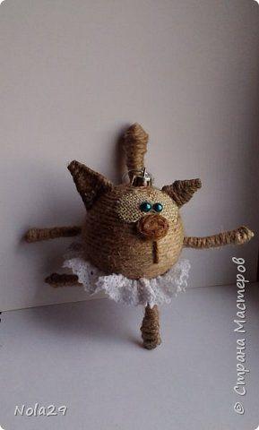 Поделка изделие Моделирование конструирование Кошка- балерина и другие поделки из шпагата Шпагат фото 1