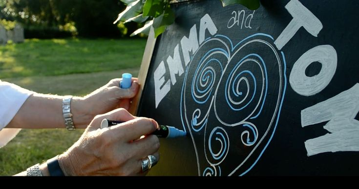 Make your wedding day extra special with these amazing chalk markers! Original Stationery
