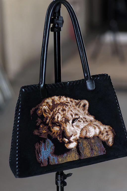 """Купить Сумка из замши """"Дремлющая охотница"""", вышивка бисером. - чёрный, сумка женская, замшевая сумка"""