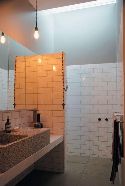 george-street-residence-bathroom-skylight