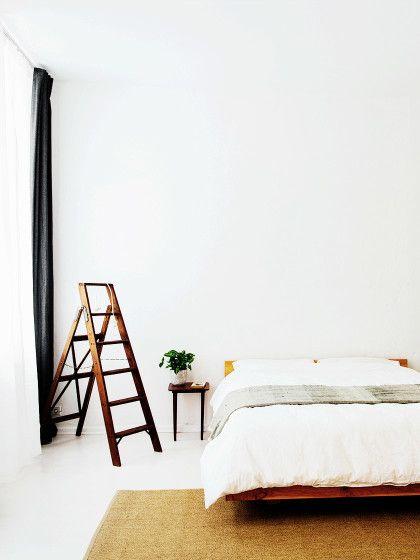 Feng Shui Schlafzimmer: Die 8 wichtigsten Feng Shui Regeln ✓ Konkrete Beispiele für mehr Harmonie ✓ Was du vermeiden solltest ✓ – Alle Infos jetzt hier »
