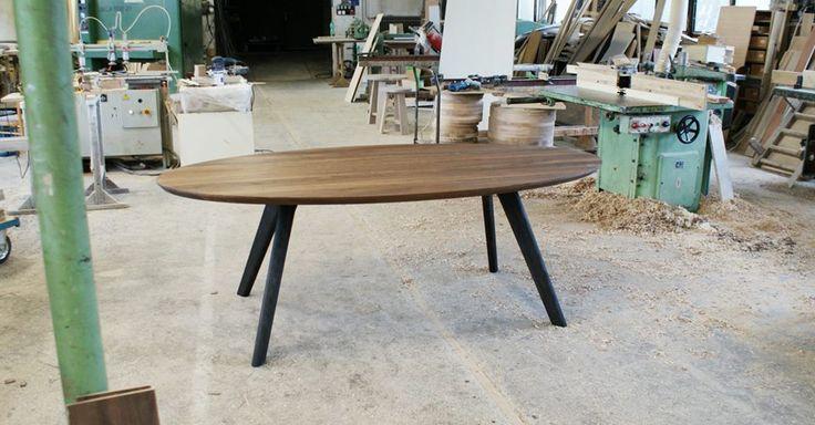 Jedálenský stôl ELYS z masívneho orechového dreva #interiordesign #furniture #woodwork #walnut #cubica