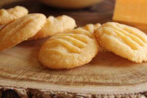 Chedarrové- sýrové sušenky