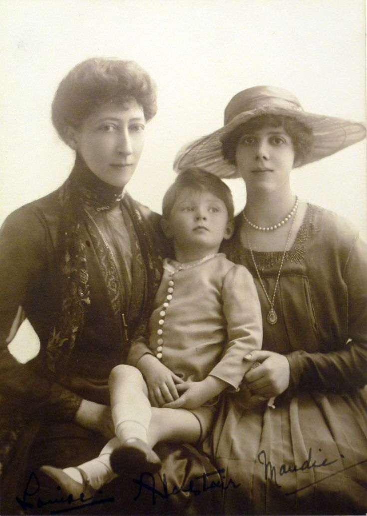 Princess Louise, Duchess of Fife with her daughter, Princess Maud, Countess of Southesk and Prince Alastair, Earl of Macduff, 2nd Duke of Connaught and Strathearn