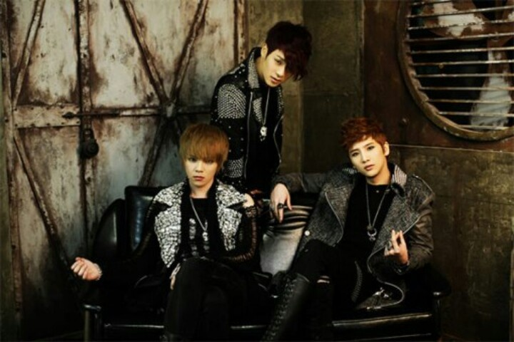 TRITOPS is a k-pop boygroup consisting of three people that debuted in 2007, but after having a long, long break in which they changed a member and came back with an awesome song. Their voices are amazing, but they have way too little success even though they are that amazing!