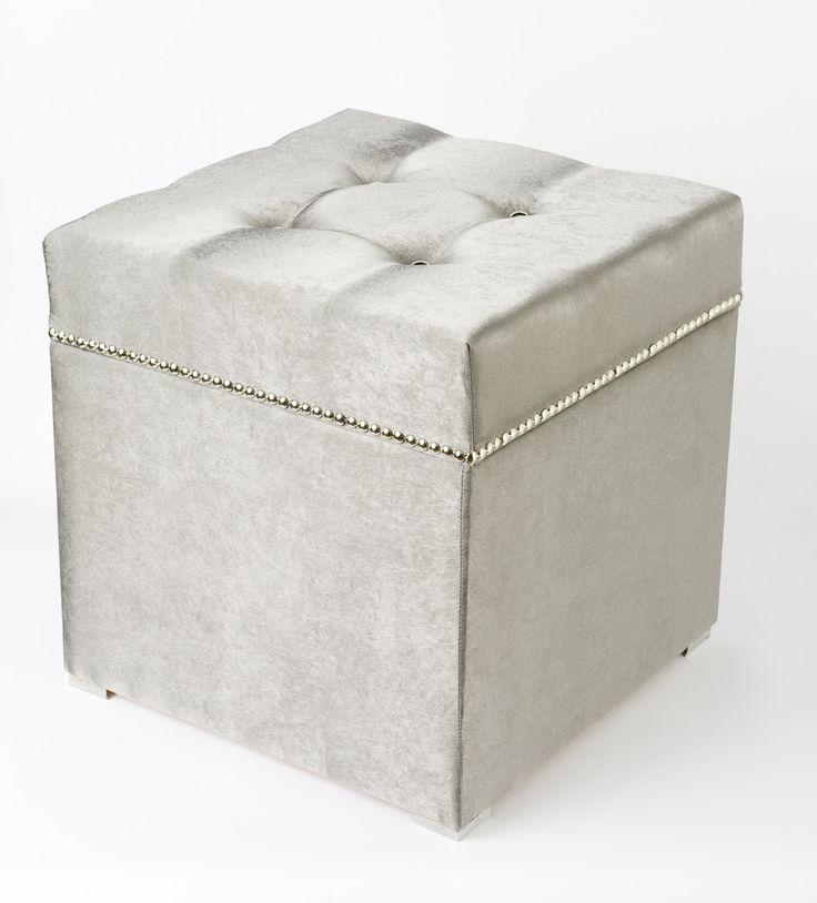 Seat and storage box /ülőke és tároló doboz/