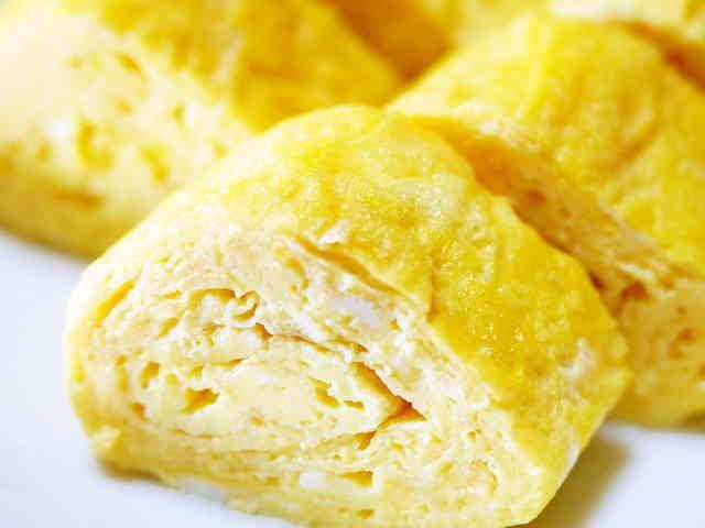 朝食やお弁当に。白だしで料亭の味☆卵焼きの画像