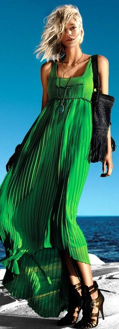 Green Maxi Dress - Emerald Fashion - Summer Style #wardrobechallenge It's all about that solar pleating for me. soooo pretty!