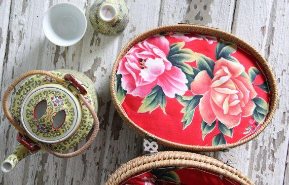 vintage tea basket set for two di wretchedshekels su Etsy, $72.00