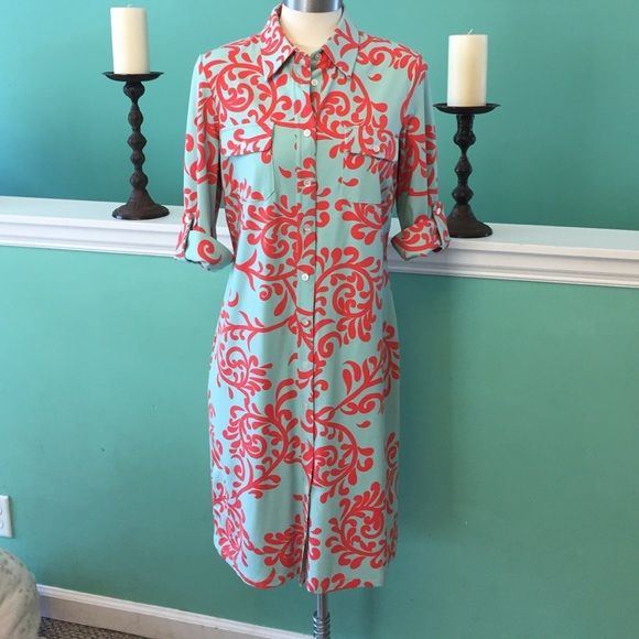 J. McLaughlin dress J. McLaughlin dress from a little boutique on Sea Island! An exclusive resort golf community. Extremely comfortable great quality dress has been worn no stains lots of life left. SZ medium. 91% nylon 9% spandex hand wash. J. McLaughlin Dresses Midi
