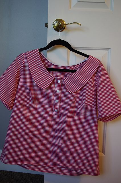 This is the cutest top ever. Daisy Duke meets Gidget! Megan Nielsen pattern. Kokka Gingham fabric