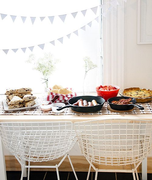 Tips (Recipes + Decor) For Throwing A Cozy Winter Brunch