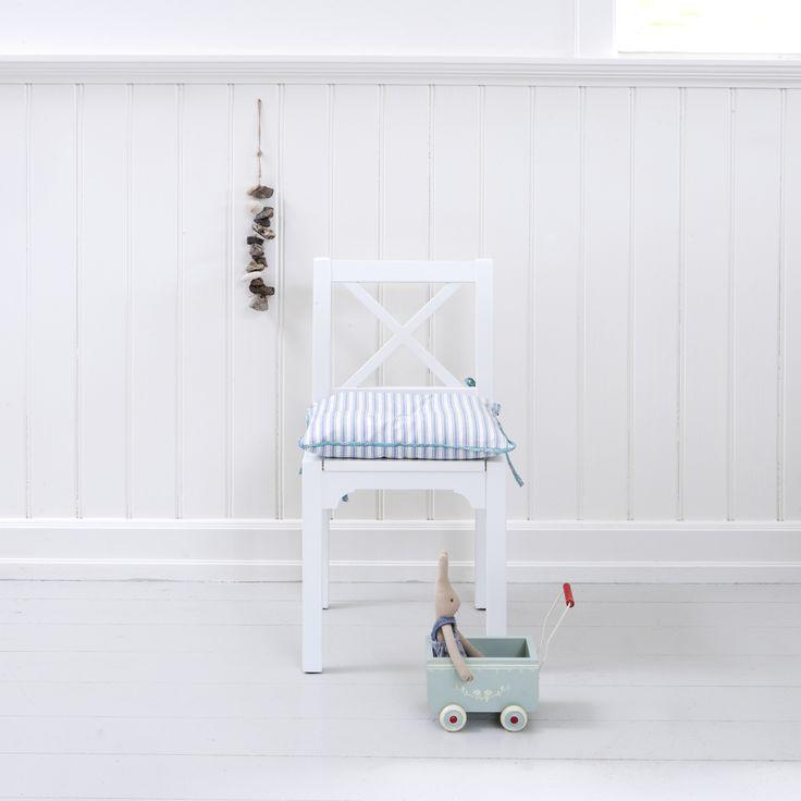 Chair kids, Oliver Furniture Denmark.  www.oliverfurniture.com