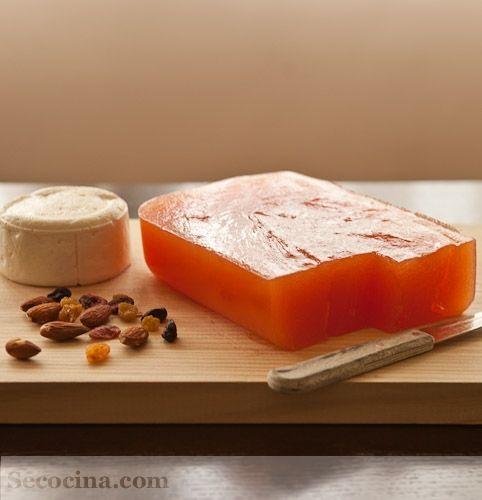 Muy buena receta de dulce de membrillo. Te quedará perfecto. También se puede hacer con manzanas.