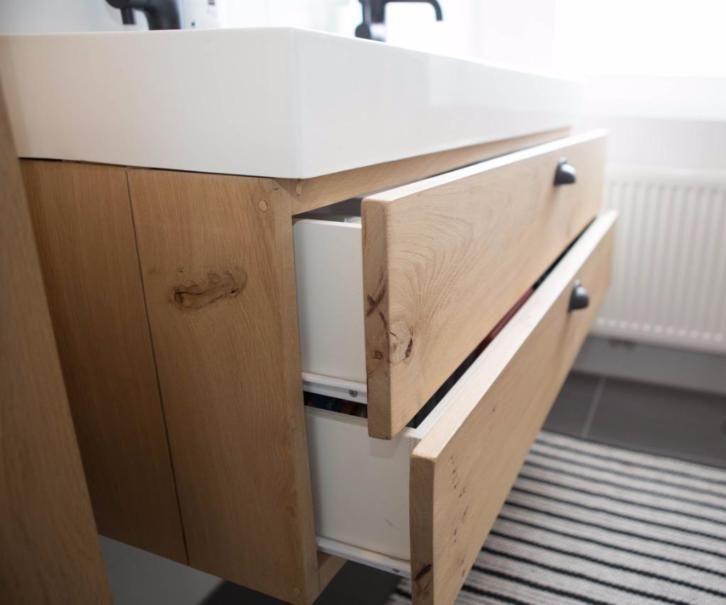 Te koop: Uniek handgemaakt eiken houten badkamermeubel 120 cm.