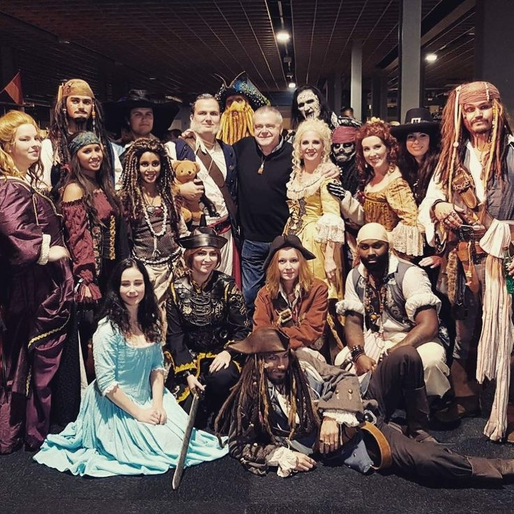 The Dutch Pirate Crew with Kevin McNally