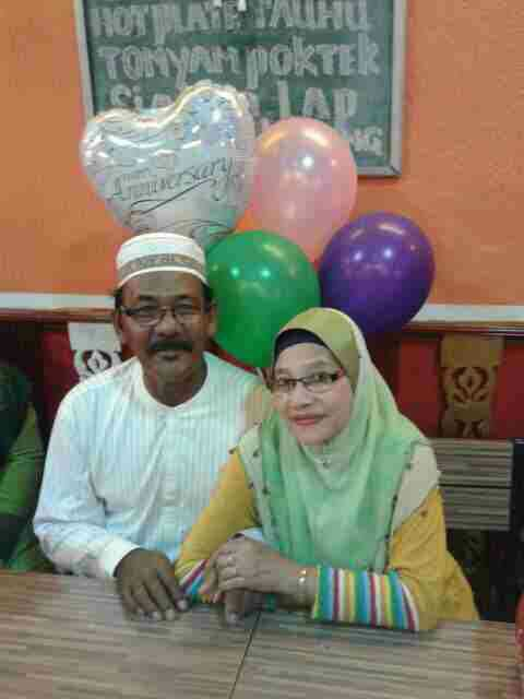 Selamat menyambut ulangtahun perkahwinan yg ke 29 En Samsudin & Puan Rahimah!