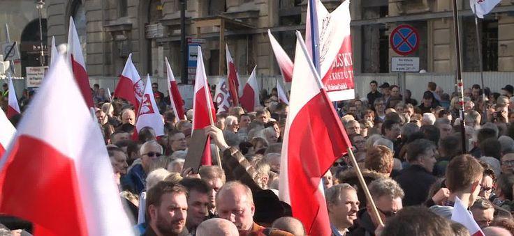 Piąta rocznica katastrofy smoleńskiej. Obchody znów dzielą Polaków #Smoleńsk #katastrofa