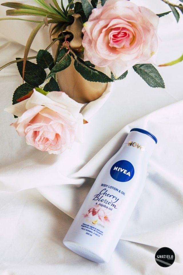 Bem, acho que o nome do blog espelha bem a minha paixão por cerejas. Por isso, hoje partilho convosco a review de um produto com cheirinho a flor de cerejeira.  Vejam aqui o post. http://mycherrylipsblog.com/cheirinho-a-cereja-nivea-cherry-blossom-401922  #beauty #beleza #nivea #bodycare #cherryblossom