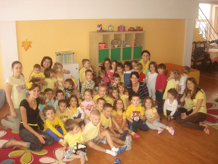 În toamna anului 2010, din pasiune pentru copii şi din dorinţa de a-i ajuta să se dezvolte corespunzător, a luat ființă Grădinița Pygmalion. Datorită unei