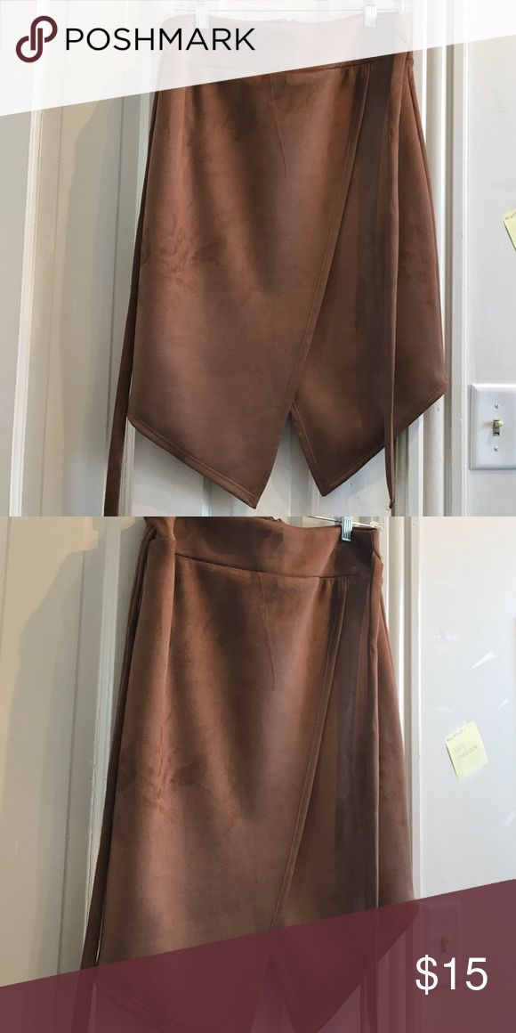 Brown pencil skirt with ties for the front Brown pencil skirt! Fashion Nova Skirts Pencil