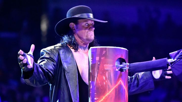 The Undertaker enters the 2017 Royal Rumble