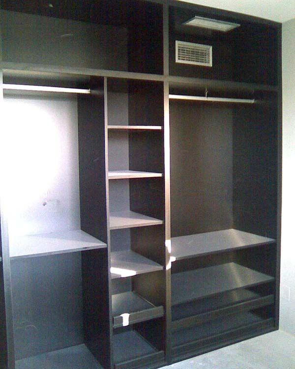 vestidor con rejillas de ventilacion integradas