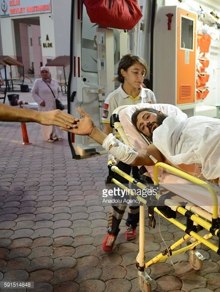 KILIS, TURKEY - AUGUST 17: A Syrian, wounded during the clashes... #mazi: KILIS, TURKEY - AUGUST 17: A Syrian, wounded during the… #mazi