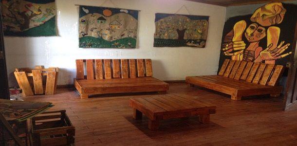 Rustic Living Room Design with DIY Furniture
