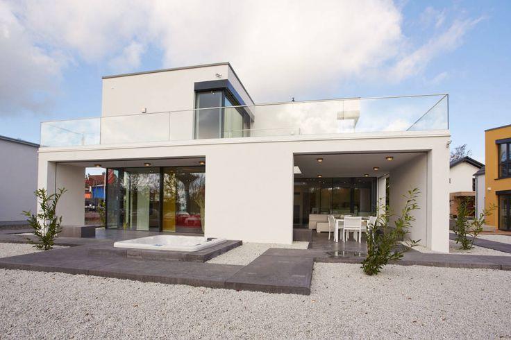 In Wuppertal haben unsere Experten von der OKAL Haus GmbH ein Fertigmusterhaus errichtet, welches das Potential zum absoluten Traumhaus hat.