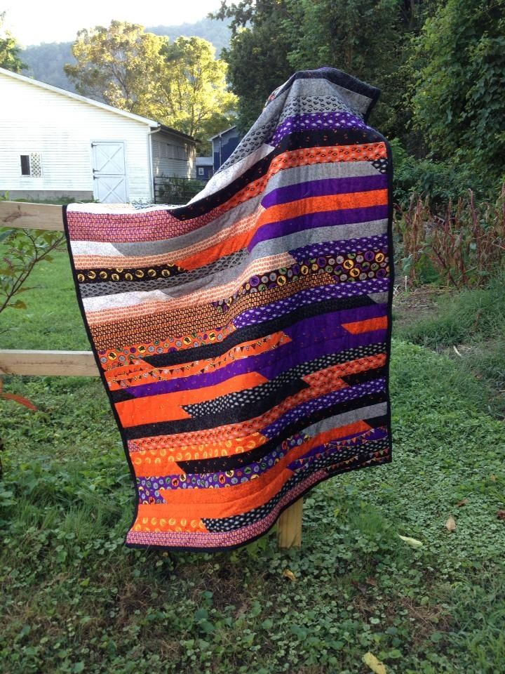 halloween jelly roll quilt i made  d