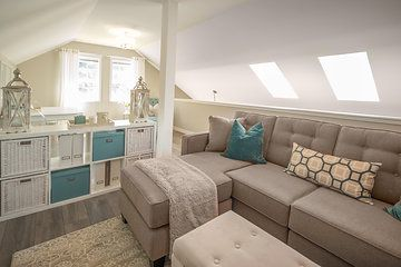 I designed this beautiful loft for a dear friend/client. As she is a successful and very busy business woman, she wanted a serene but cozy space where she could unwind at the end of a long day. She also wanted a space where she could host a small business meeting with her team. The loft turned out beautifully and it was a wonderful project to work on. The incredibly talented Alec Watson shot the space for us. Design photo collection by AlecWatson.com