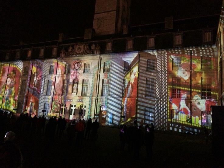 Les illuminations place de la Liberation a Dijon