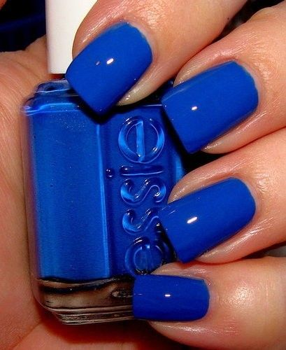 Such a pretty color! Blue Essie nail polish #essie