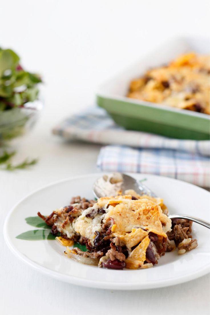 Jauheliha-nachopaistos // Nacho casserole with minced meat Food & Style Elina Jyväs Photo Joonas Vuorinen Maku 2/2014, www.maku.fi