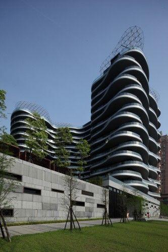 Ocean Grand Residence / T. D. Lee ARCHITECT