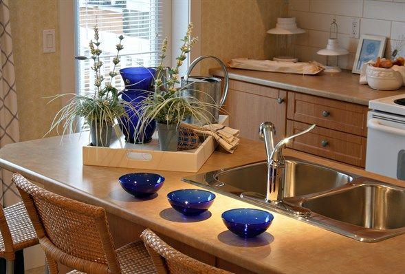 Malé byty sa veľmi ľahko zútuľnujú :) Ja by som chcela taký jedno-dvoj izbák.  https://www.postovabanka.sk/novinky/blog/tipy,-ako-si-vylepsit-byvanie-v-malom-byte/