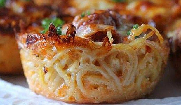 Špagetová hnízda z muffinového plechu
