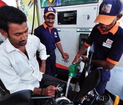 NEU-DELHI: Unter dem Objektiv des nationalen Gerichts Green ist die Bedrohung durch toxische Emissionen an Benzinpumpen in die Hauptstadt gekommen, di...