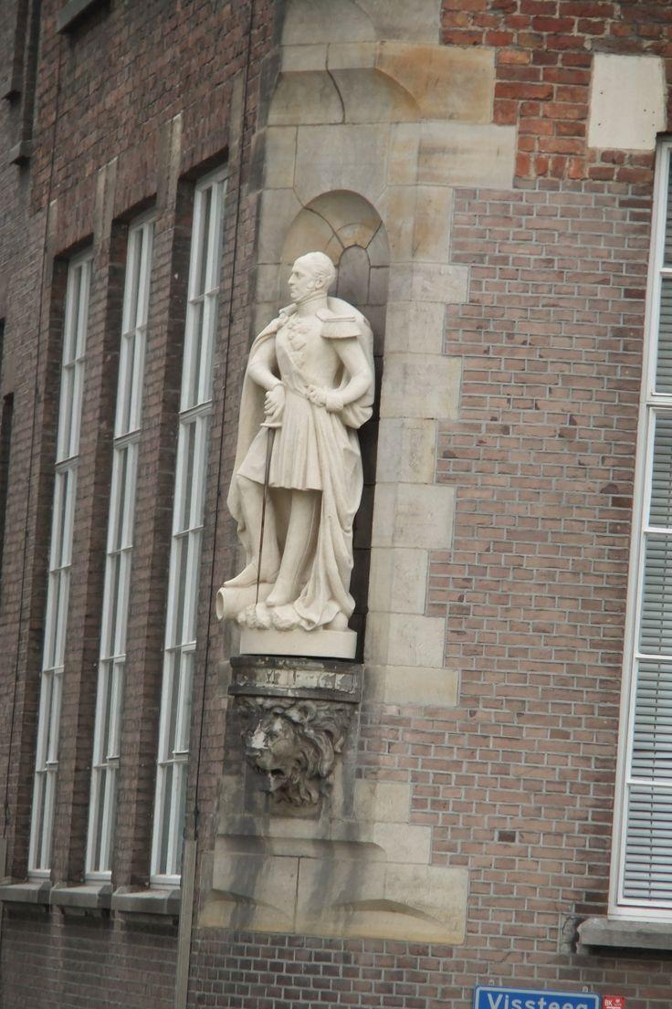 Achterzijde Willem de Kooning Academie (Hoek Vissteeg - Wijnstraat)
