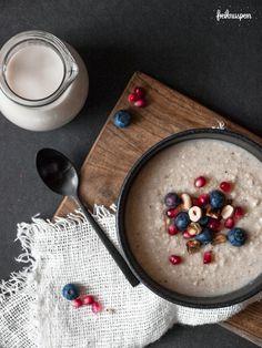 Glutenfree porridge! Hirseporridge, glutenfreier Frühstücksbrei, vegan, laktosefrei, nussfrei, zuckerfrei   freiknuspern - Rezepte für Allergiker