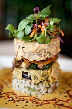 No meat! And it still looks amazing. From the VSpot Vegan Cafe.Delias Pisarro, Vegan Cafes, Eggplants Stacked, Meatless Work, Meat Eaters, Avenue Cafes, Beef Belts, Cafes K-Cup, Mmmm Yummy