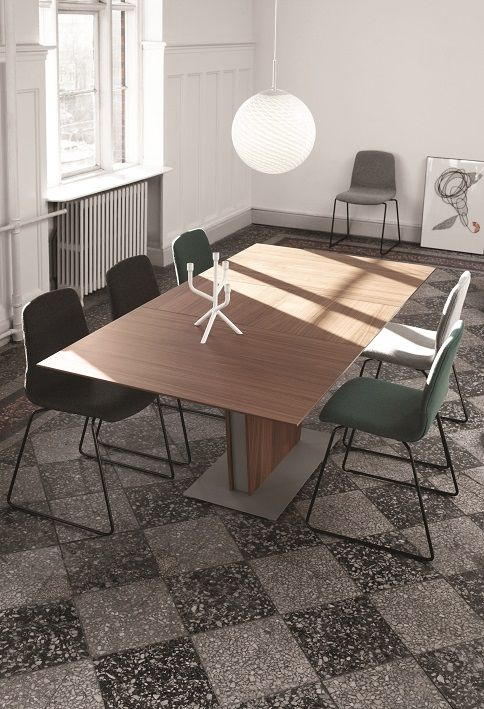 Extendable dining table and London dining chairs