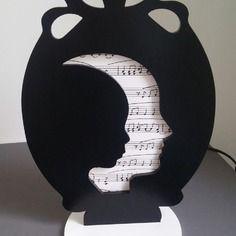 """Lampe visage musique  boikodeko- """"une aristocrate à la lanterne"""""""