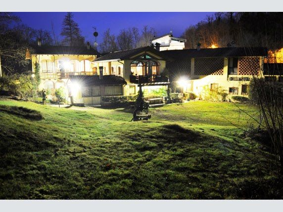 FOR SALE: LARGE COUNTRYHOUSE IN AN OLD MILL JUST A FEW KILOMETRES FROM VARESE IFI191