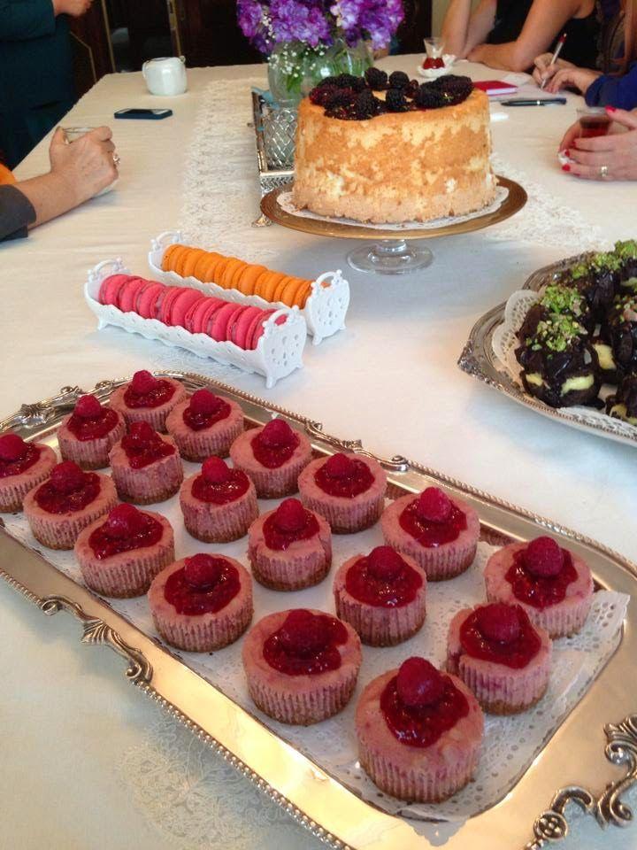 Tek kişilik cup cheesecake tarifi,frambuazlı cheesecake tarifi,kolay cheesecake tarifi,tek sunumluk cheesecakeler,cheesecake,frambuaz,farmbuaz sos