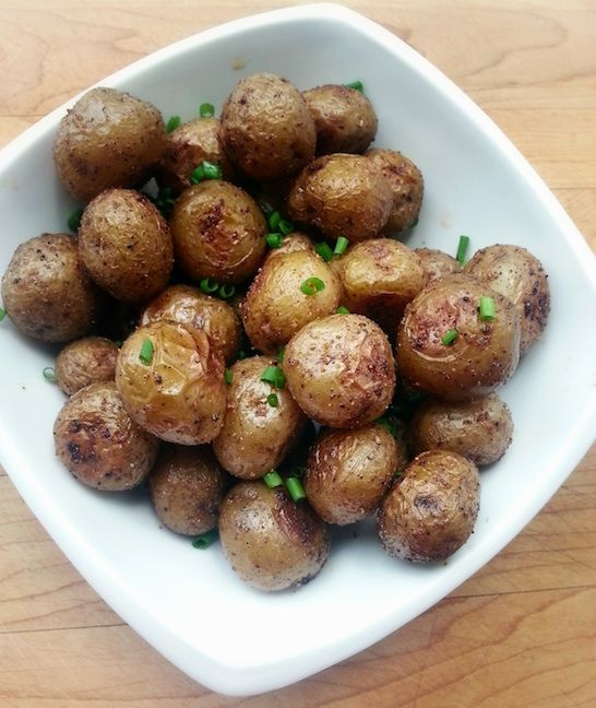 The best quick roasted mini potatoes - It's really more about a technique rather than a recipe, so you can tweak this to suit your taste so you have the best ever roasted potatoes!