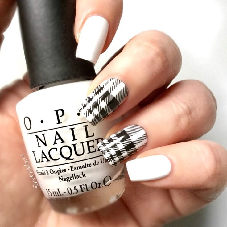 Monochrome nails OPI Alpine Snow nail art minimalist