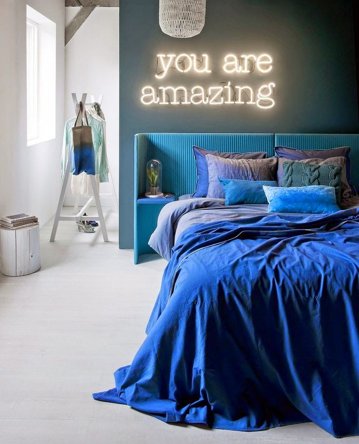 """""""you are amazing"""" neon light"""